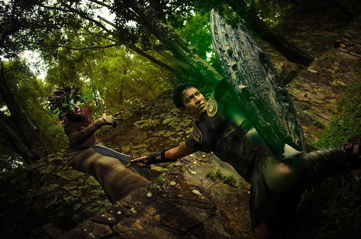 Medusa y Perseo - Foto: Cosplay Inc - edición: Roberuto