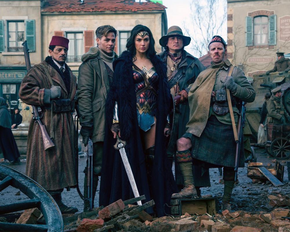 Mujer Maravilla, Steve Trevor y camaradas en la Primera Guerra Mundial